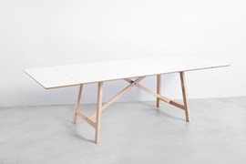 T6 Table Oak With White Laminate, Extend